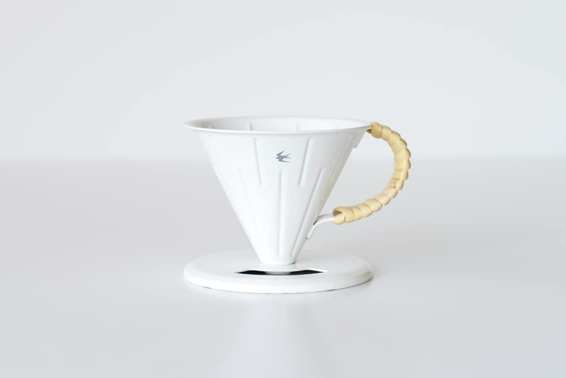 ツバメラタン/琺瑯とラタンのドリッパー(1〜2杯用)の商品写真
