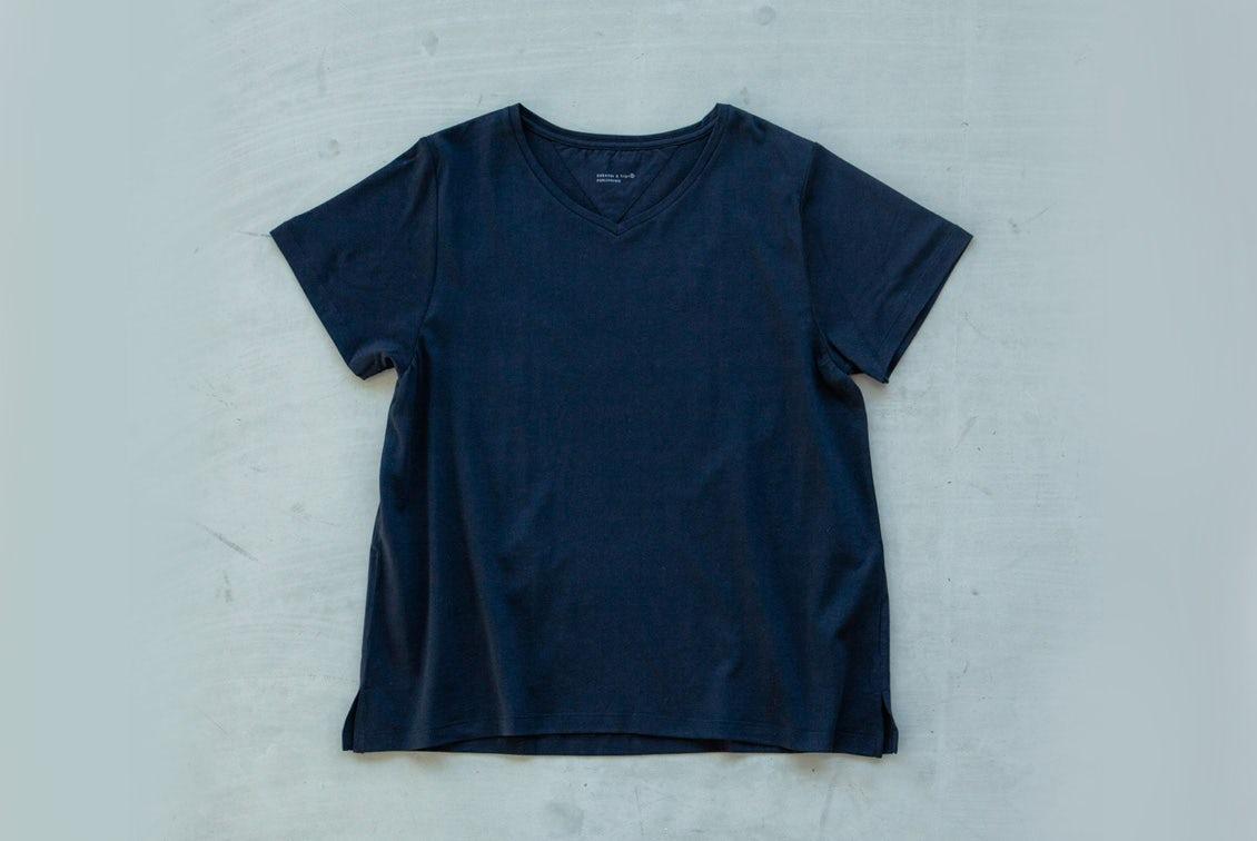 「大人に似合うワケがある」素肌も心もよろこぶTシャツ/Vネック(ブラック)の商品写真