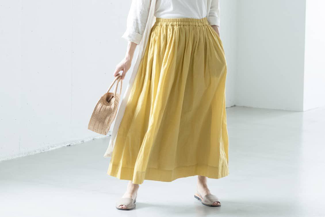 ※「私になじむ新定番」パンツ派さんにもおすすめのギャザースカート(イエロー)の商品写真