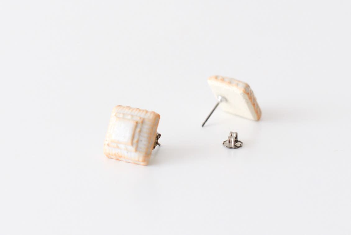 川名 萌子/陶器のピアスの商品写真