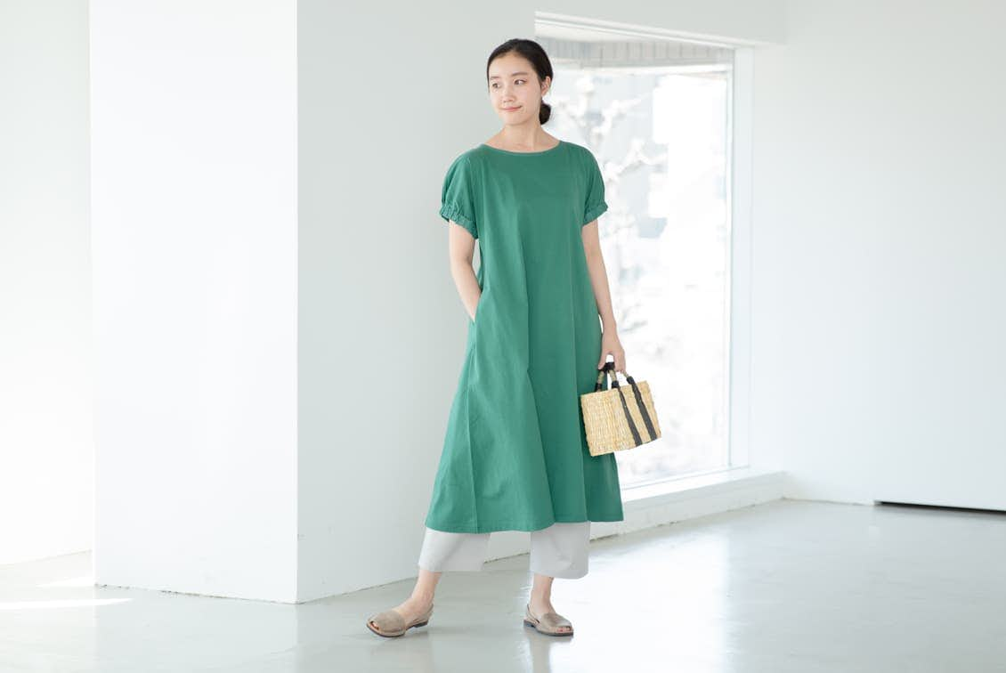 【今季終了】「夏の装い心地よく」ふんわり袖のカットソーワンピース(グリーン)の商品写真