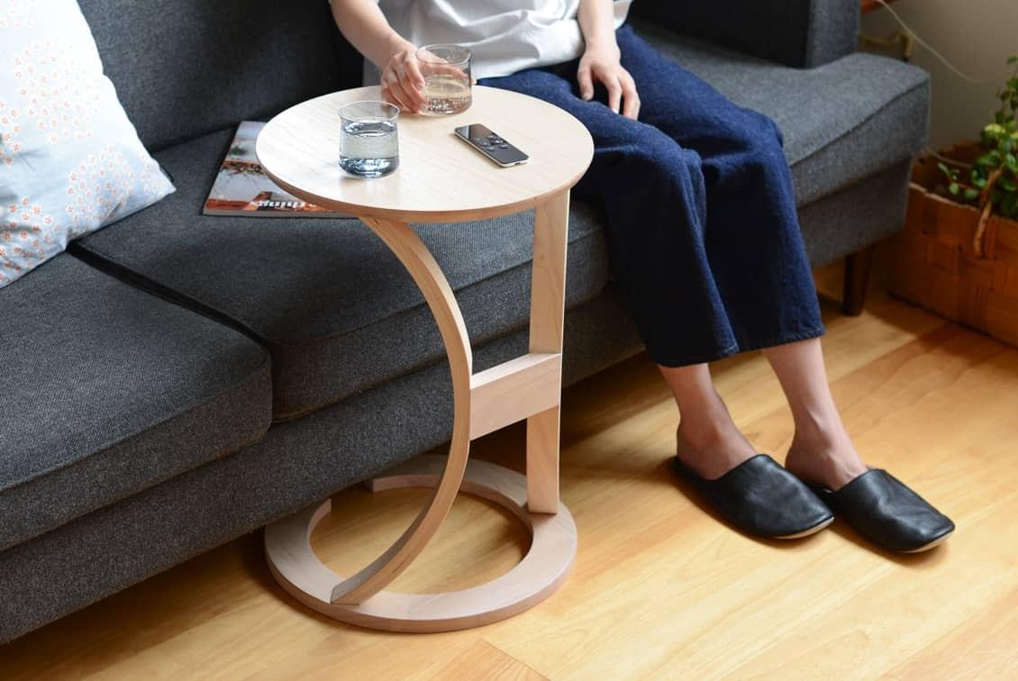 【次回8月下旬ごろ入荷】木のサイドテーブルの商品写真