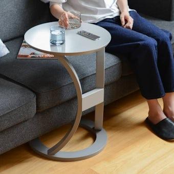 木のサイドテーブル(グレー)の商品写真