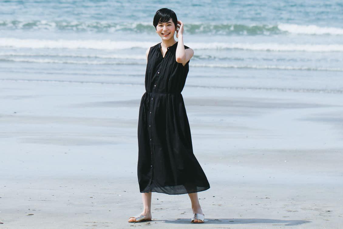 【数量限定】「旅の気分に着がえよう」くしゅっと丸めてOK!ロングワンピース(ブラック)の商品写真