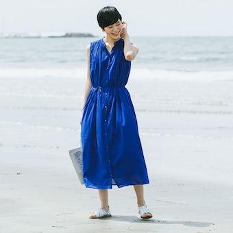 【数量限定で再販】「旅の気分に着がえよう」くしゅっと丸めてOK!ロングワンピース(ブルー)の商品写真