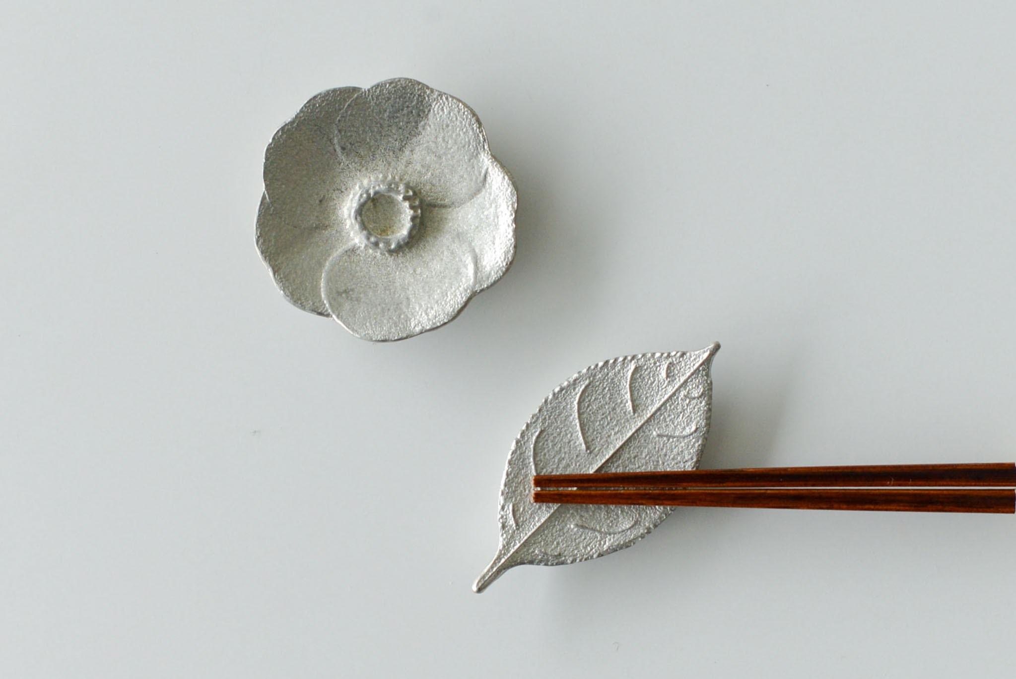 nakagawa kumiko / ツバキの箸置きの商品写真