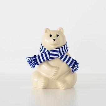 【今季終了】マフラー付き白くま貯金箱 / Polar Bear Money BOXの商品写真