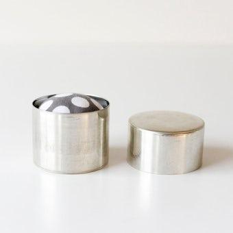 ダルマスレッド/針山/缶入りピンクッション(グレー)の商品写真