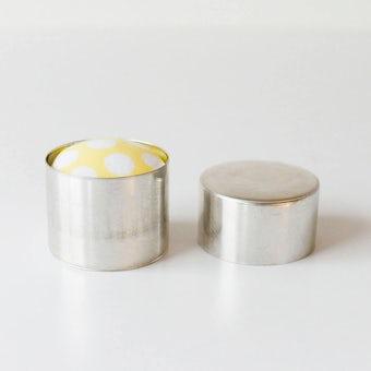 ダルマスレッド/針山/缶入りピンクッション(イエロー)の商品写真