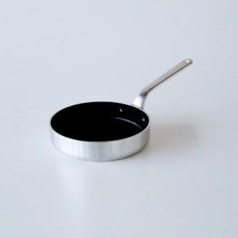 中尾アルミ製作所/ハムエッグパン / 径15cm(フッ素樹脂加工)の商品写真