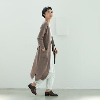 【今季終了】「後ろ姿までお気に入り」やわらかドレープのロングカーディガン(ベージュ)/KURASHI&Trips PUBLISHINGの商品写真