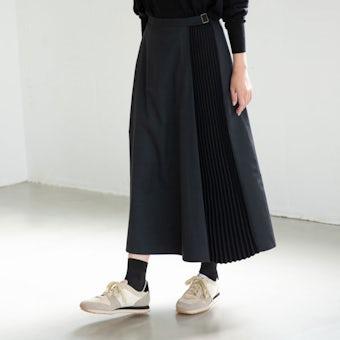 【次回10月上旬頃入荷予定】「定番コーデにアクセント」サイドプリーツスカート(ブラック)の商品写真