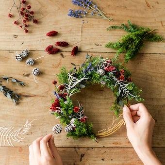 「クリスマスも、わたし好みに」冬のリースキット / SOCUKA×KURASHI&Trips PUBLISHINGの商品写真
