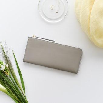 「スリムに見えて収納上手」L字ファスナーの長財布(ペールグレー)の商品写真