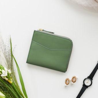 「スリムに見えて収納上手」L字ファスナーのミニ財布(ペールグリーン)の商品写真
