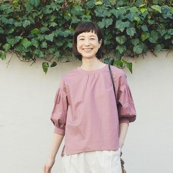 ※【数量限定】「洗いざらしがマイルール」2WAYトップス (ローズピンク) / 香菜子×KURASHI&Trips PUBLISHINGの商品写真