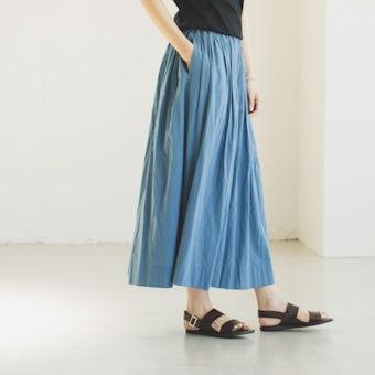 「私になじむ新定番」パンツ派さんにもおすすめのギャザースカート(ブルー)の商品写真