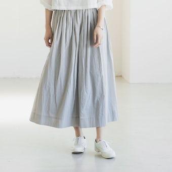 【今季終了】「私になじむ新定番」パンツ派さんにもおすすめのギャザースカート(ライトグレー)の商品写真