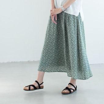 【次回5月入荷予定】【当店別注】「柄ものを、凛と」リバティプリントのロングスカートの商品写真