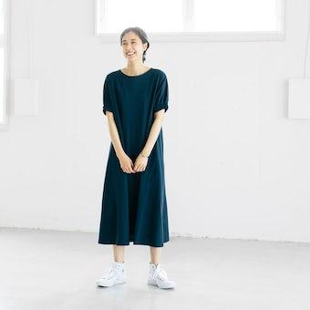 【今季終了】「夏の装い心地よく」ふんわり袖のカットソーワンピース(ネイビー)の商品写真