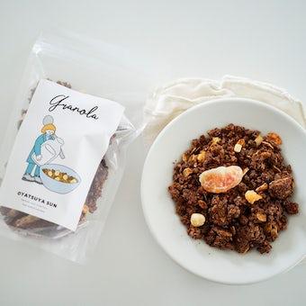 オレンジとヘーゼルナッツのココアグラノーラ/OYATSUYA SUN(袋)の商品写真