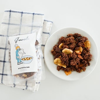 チョコとバナナのグラノーラ/OYATSUYA SUN(袋)の商品写真
