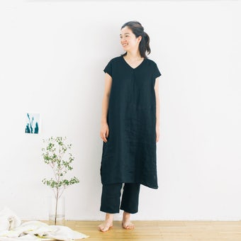 【今季終了】「心ゆるめるひと時に」リネンのリラックスウェア(ワンピース・パンツセット)ブラックの商品写真