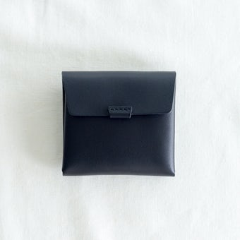 .URUKUST / ウルクスト / しかくの革財布(ブラック)の商品写真