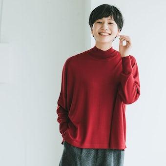 【今季終了】「私に似合う絶妙バランス」首もとスッキリのハイネックニット(ディープレッド)の商品写真
