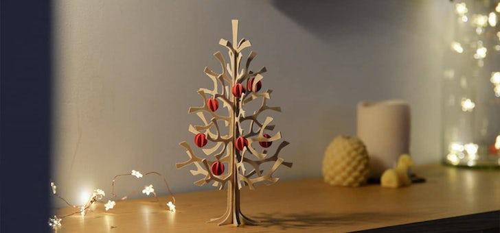 白樺のあたたかみを感じるツリー