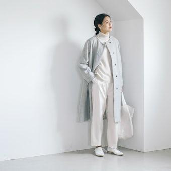 【今季終了】「ふわりと寄り添うかろやかさ」柔らかシルエットのノーカラーコートの商品写真