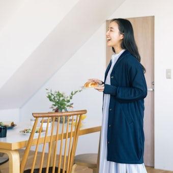 「家でのわたしも好きになる」 裏起毛の襟つきルームカーディガン / ネイビーの商品写真