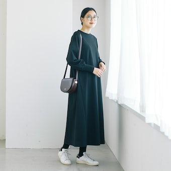 【今季終了】「気軽に着られて、きれい見え」ポンチ素材のワンピース(ブラック)の商品写真