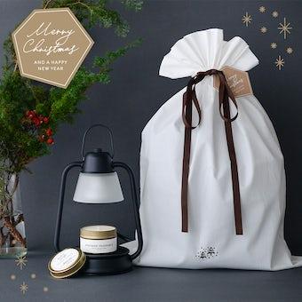 【クリスマス限定ギフトバッグ】キャンドルウォーマー&アロマキャンドルセットの商品写真