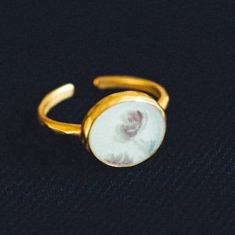指先に花を添えるリング/9〜13号/情熱(レッド)の商品写真
