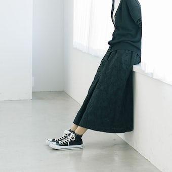 こころが色めく、salviaとつくった刺繍スカート(ブラック)の商品写真