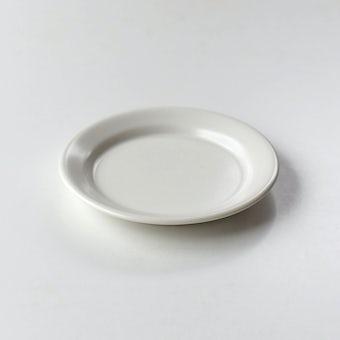 「平日夜のわたしの味方」小皿(オフホワイト)の商品写真