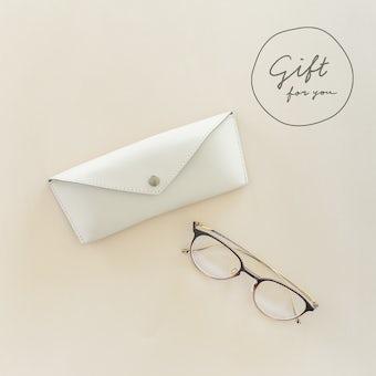 【母の日ギフト】メガネケース(メガネ拭き付き)/ ベージュの商品写真