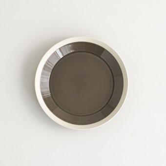 yumiko iihoshi porcelain × 木村硝子店 / dishes / プレート (径18cm) / ファーンブラウンの商品写真