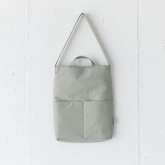 私になじむ、すっきりデザインのPCバッグ / グレージュの商品写真