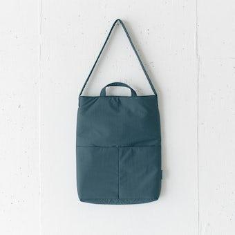私になじむ、すっきりデザインのPCバッグ / ダークグレーの商品写真