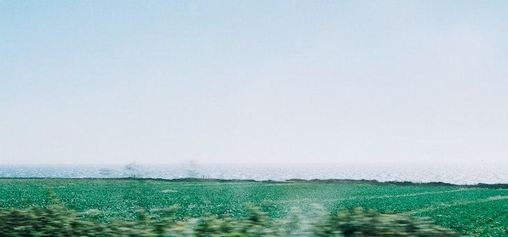 絵葉書みたいな夏の旅 01